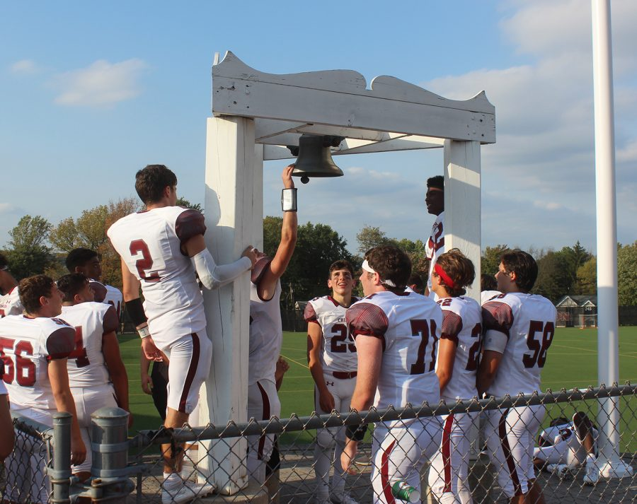 For a second year in a row, the Varsity Boys Football Team got to ring the Homecoming Bell.